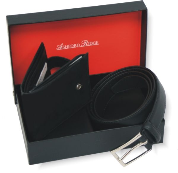 Ashford Ridge Gift Boxed 30mm Leather Belt & Leather Wallet Set